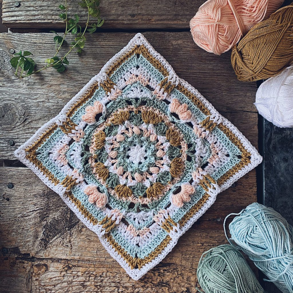 A closeup of the Patch of poises square in soft cool colors