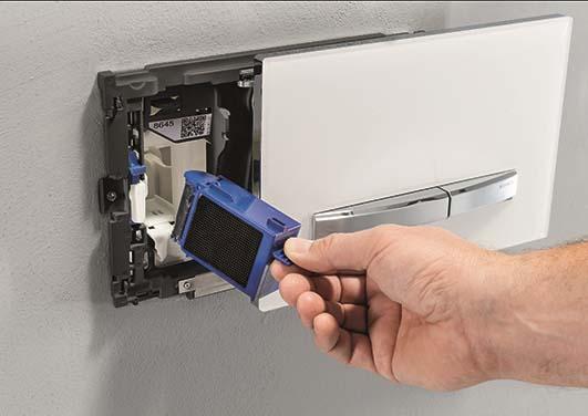 Sähköllä toimiva wc-istuin pesee ja kuivaa, poistaa hajut ja sulkee kannenkin perässä