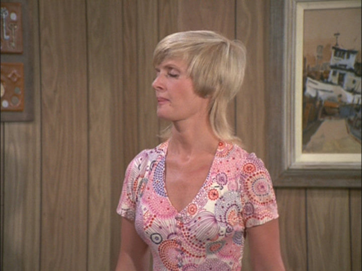 Kathy lee gifford upskirts