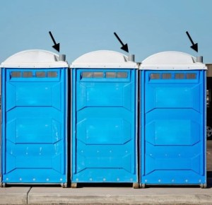 portable toilet smelling