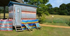 themed toilet hire - beach hut