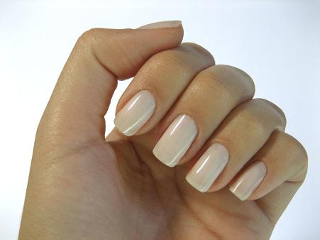 Mãos com Esmaltes