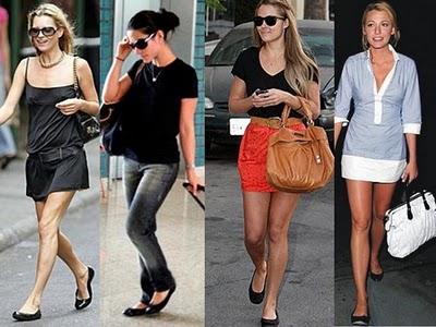 Guarda-roupa de mulher tem sapatilhas