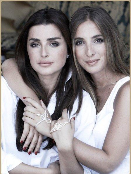 irmãs Sonia e Katia Gaydamak apresentaram o bracelete de mão