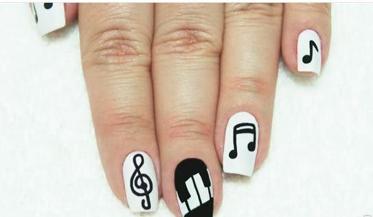 modelos de nail art notas musicais para você se inspirar