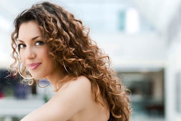 como reduzir o volume dos cabelos