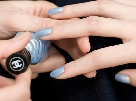 modelo de unhas azuis
