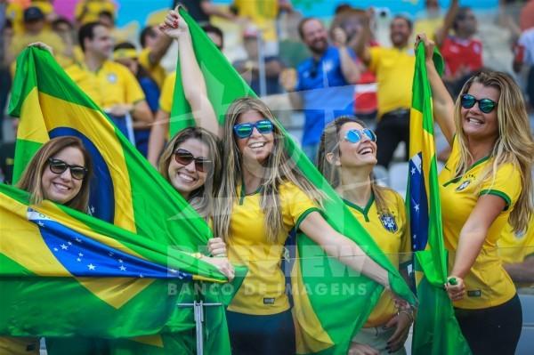 look verde e amarelo para torcer no estádio