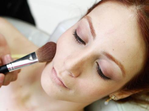 blush na maquiagem para ruivas