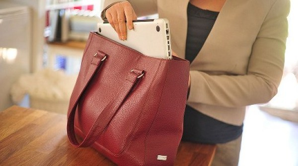 Bolsas femininas para tablets e laptops para mulheres modernas