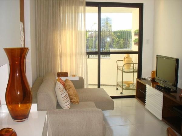 Foto de decoração sem tapete para sala pequena