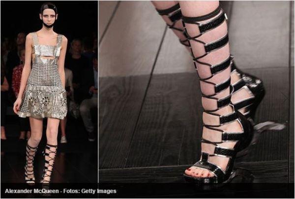 sandálias gladiadoras com Saltos altos