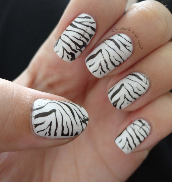 Unhas decoradas com zebra - Animal Print