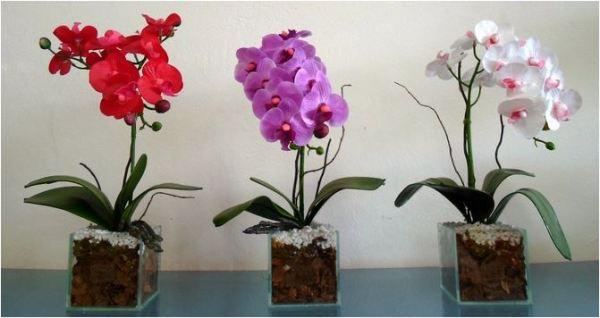 Flores artificiais deixa a Decoração da casa brega