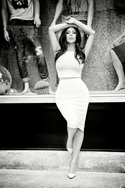 Roupas sensuais de kim kardashian para CeA