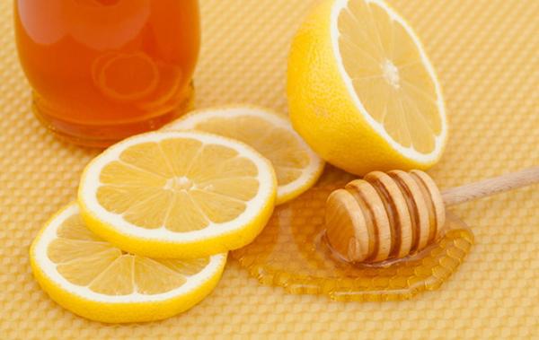 mel e limão para combater o frizz no cabelo