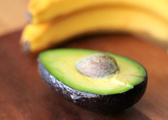 tratamento com abacate para cabelo seco