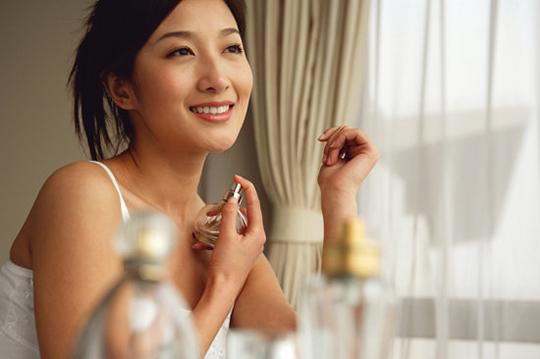como fazer o perfume durar mais tempo