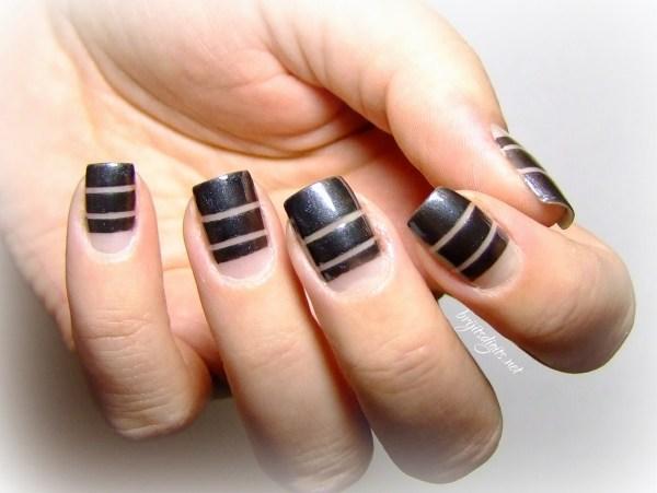 Nails art Negative Space