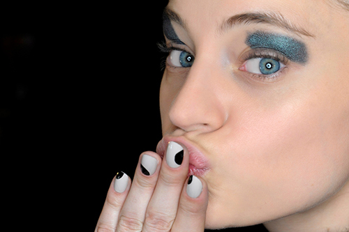 maquiagem com sombra metálica