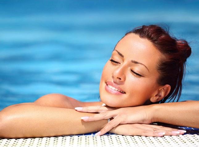 8 passos para você cuidar da pele no calor