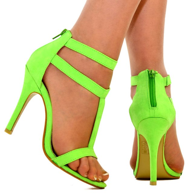 Sandália na cor de maçã verde