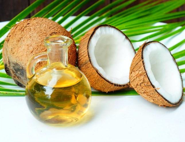 umectação com óleo de coco