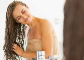 Vinagre no cabelo: como usar para conseguir muito brilho e hidratação