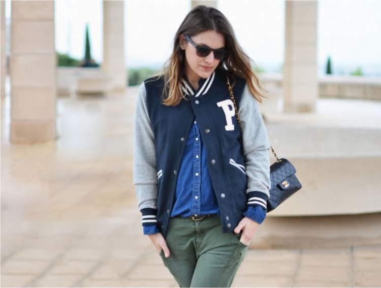 Look feminino com a jaqueta bomber