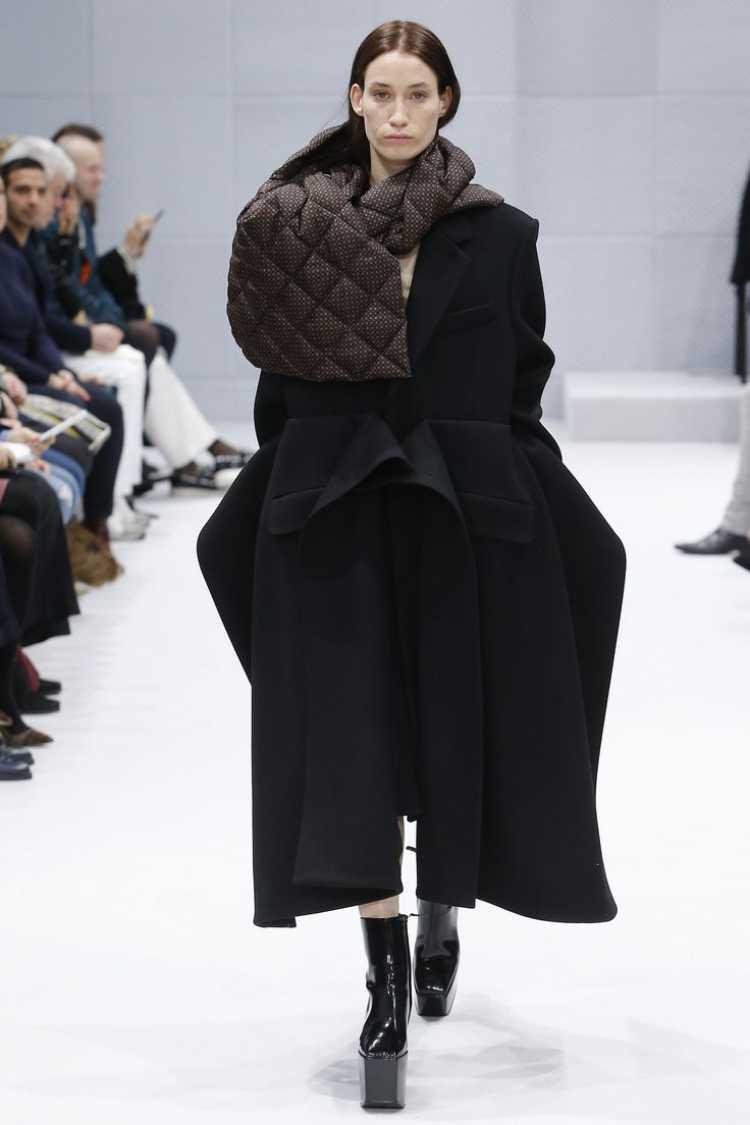 grifes como Balenciaga, Céline e Bottega Veneta levaram para a passarela peças no melhor estilo alfaiataria sem deixar de lado a tendência do momento