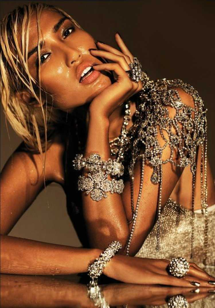 Conheça os acessórios da moda, as jóias de corpo