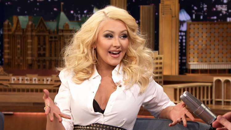 Christina Aguilera é contra os padrões de beleza