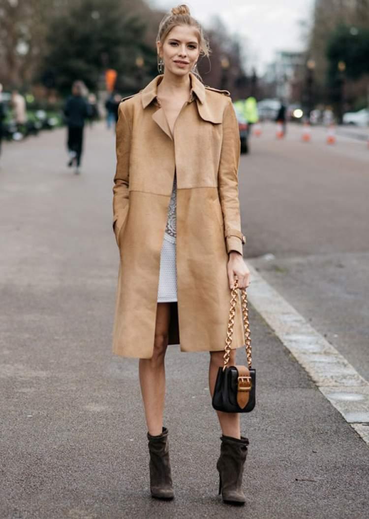 Look com trench-coat