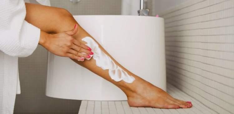 Creme depilatório remove os pelos sem causar dor