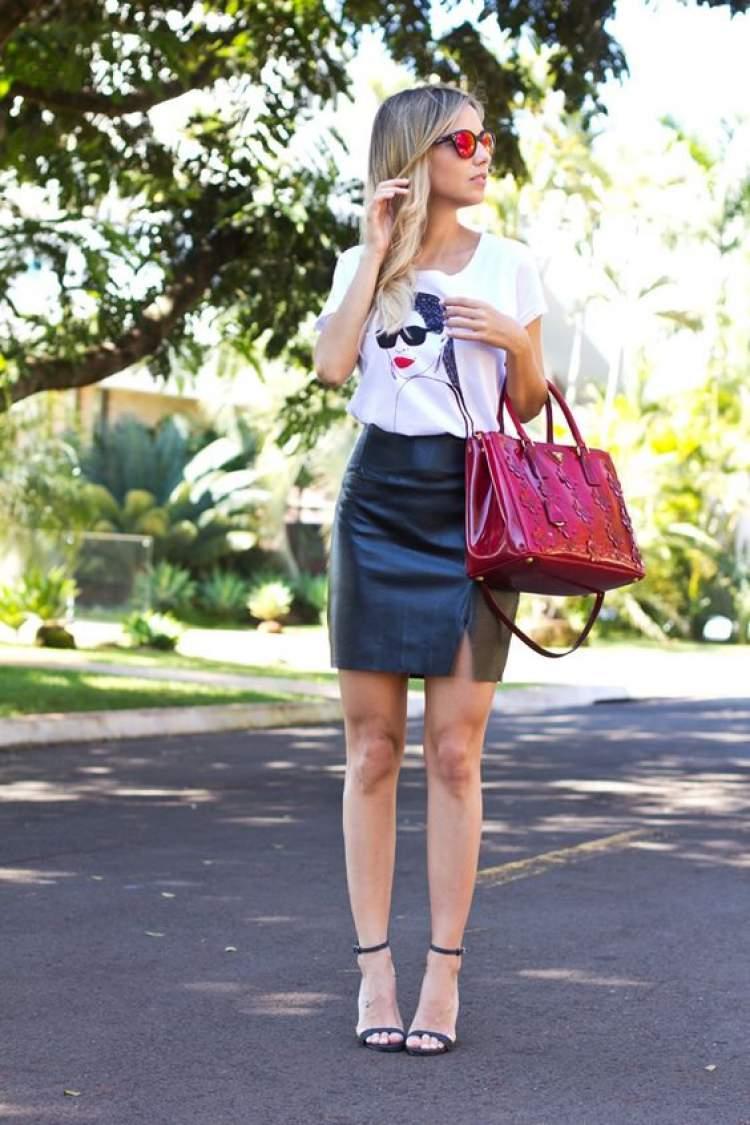 como usar a saia de couro em um look colorido