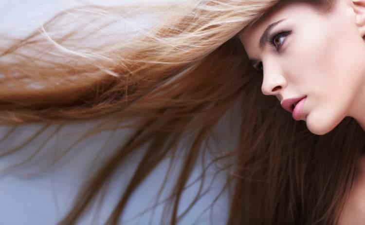 Reconstrução capilar é necessário para fazer o cabelo crescer rápido e encorpado