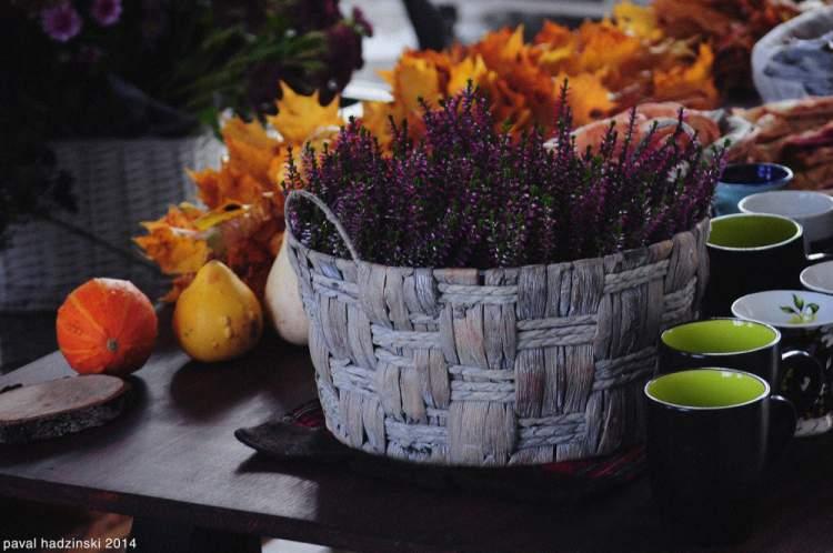 Decoração com cesta de flores
