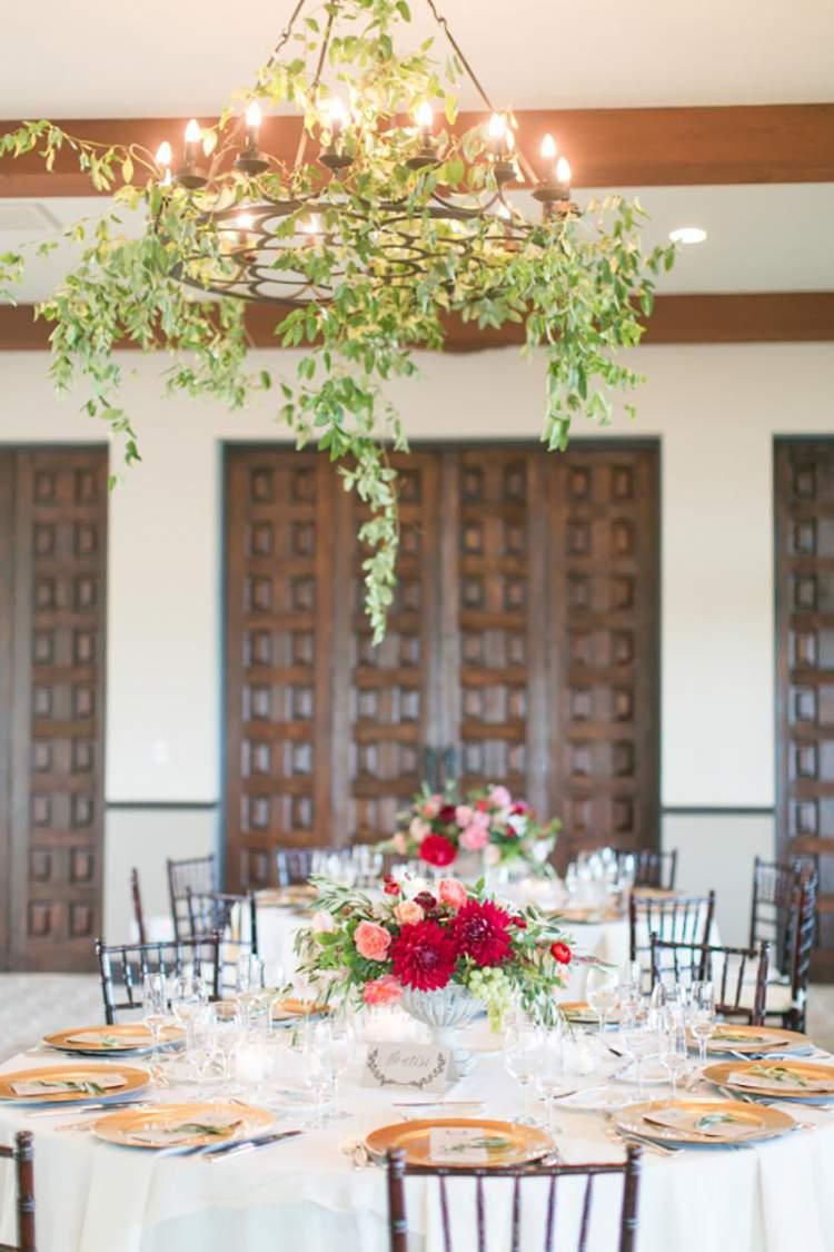 Lustre de folhagens para decorar o casamento