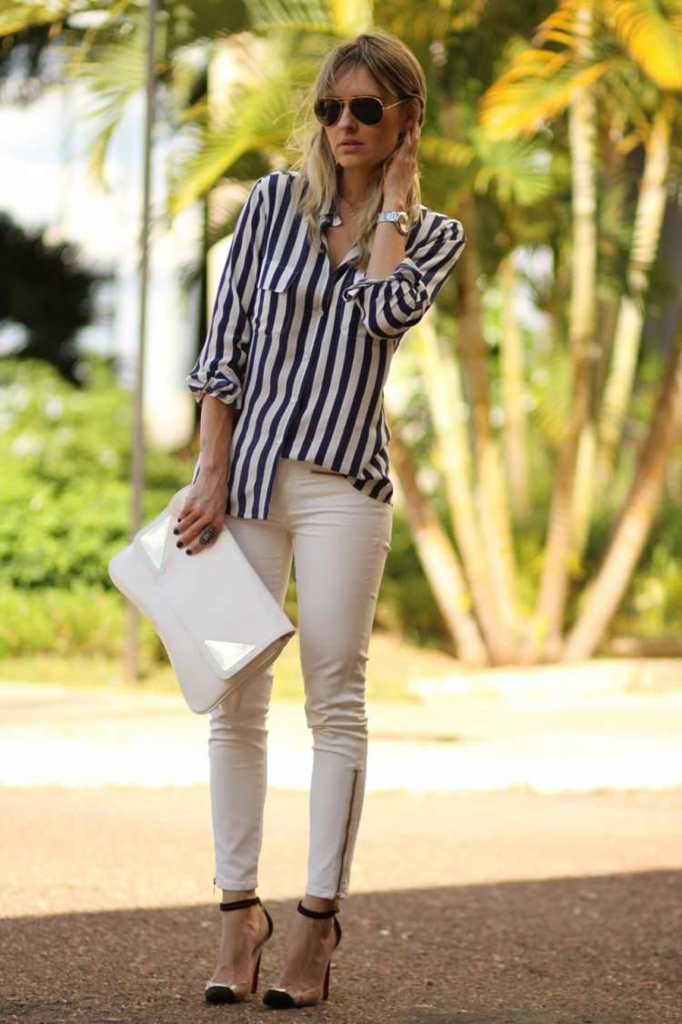 Blusa com Estampa de Listras Verticais