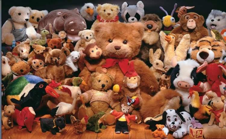 Ursos de pelúcia devem ser tirados do quarto do bebê imediatamente