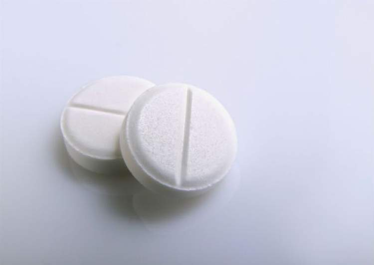 Aspirina para tirar manchas de sangue