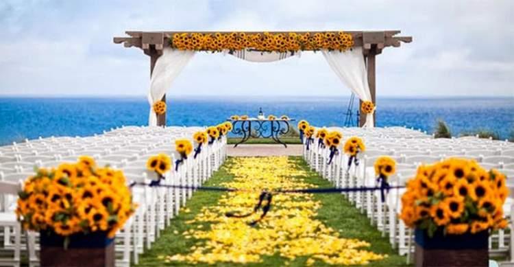 Margaridas são uma ótima escolha para casamentos na praia