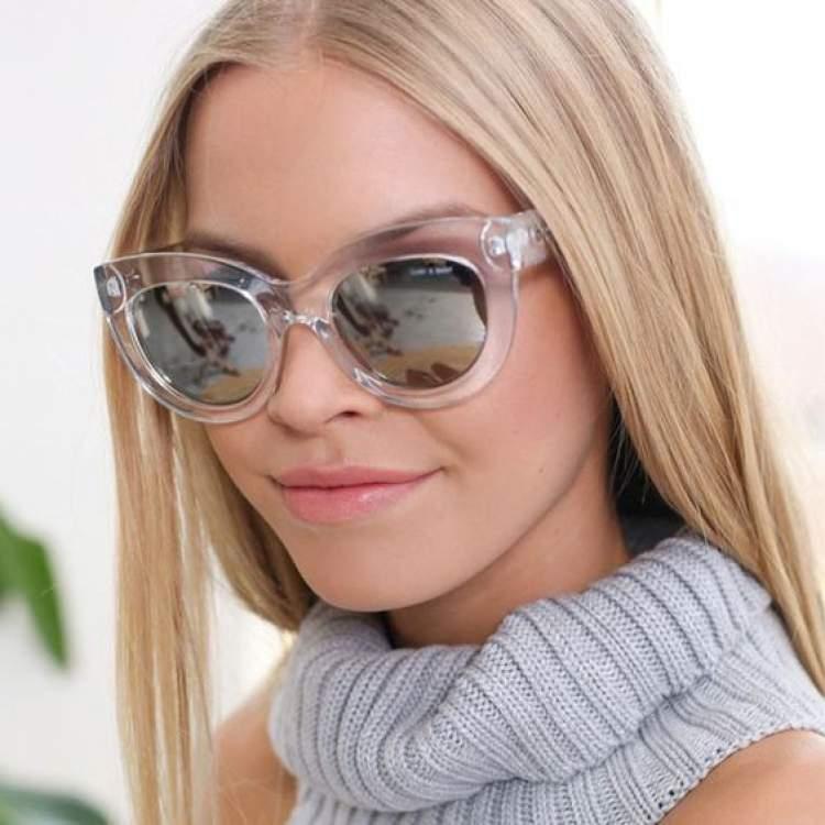 Máxi Óculos Gatinho é uma das tendências de acessórios para 2018