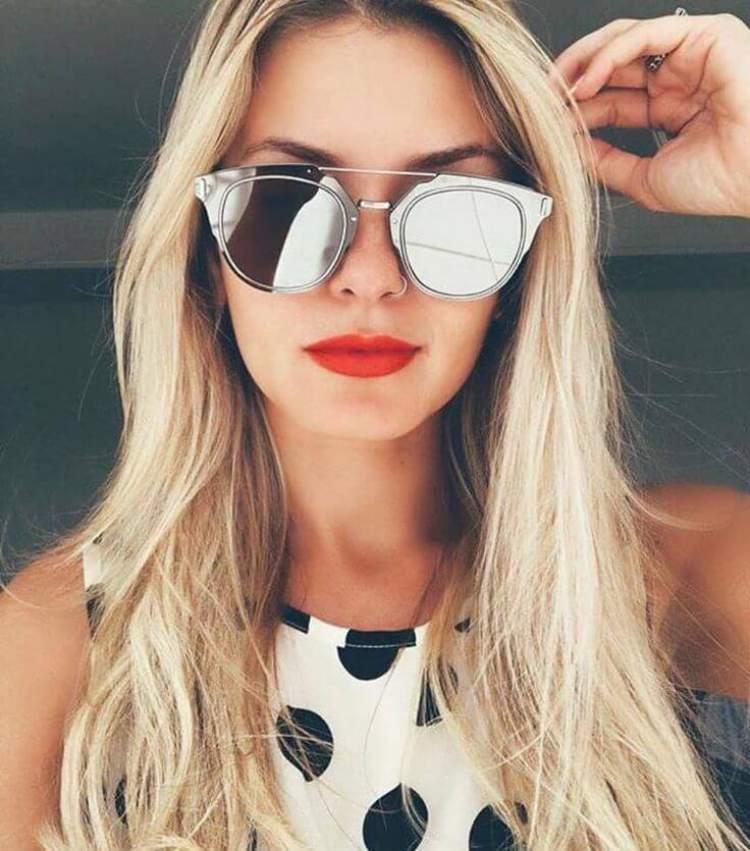 Máxi Óculos Modelo Top Bar é uma tendência para 2018