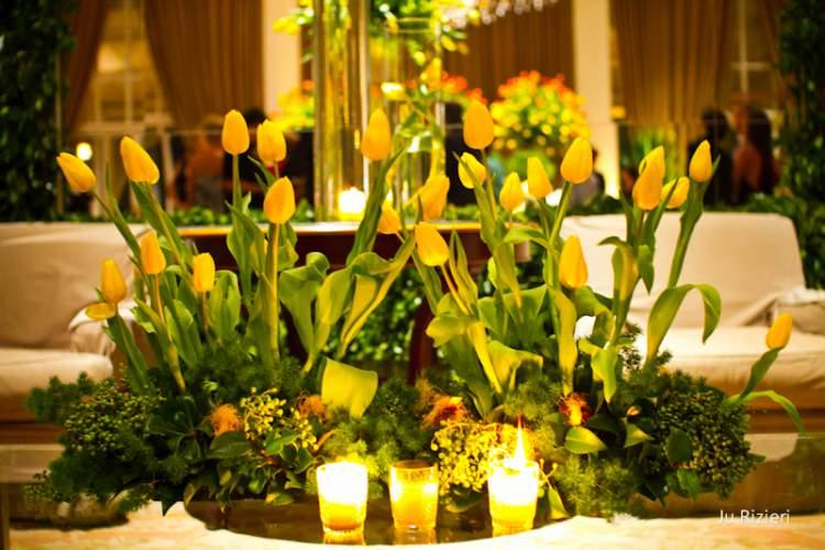 Casamento decorado com tulipas