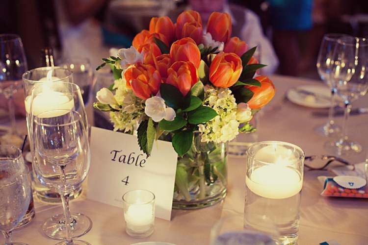 Decoração de casamento com tulipas