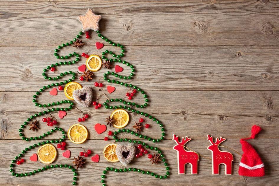 Árvore de Natal feita com miçangas