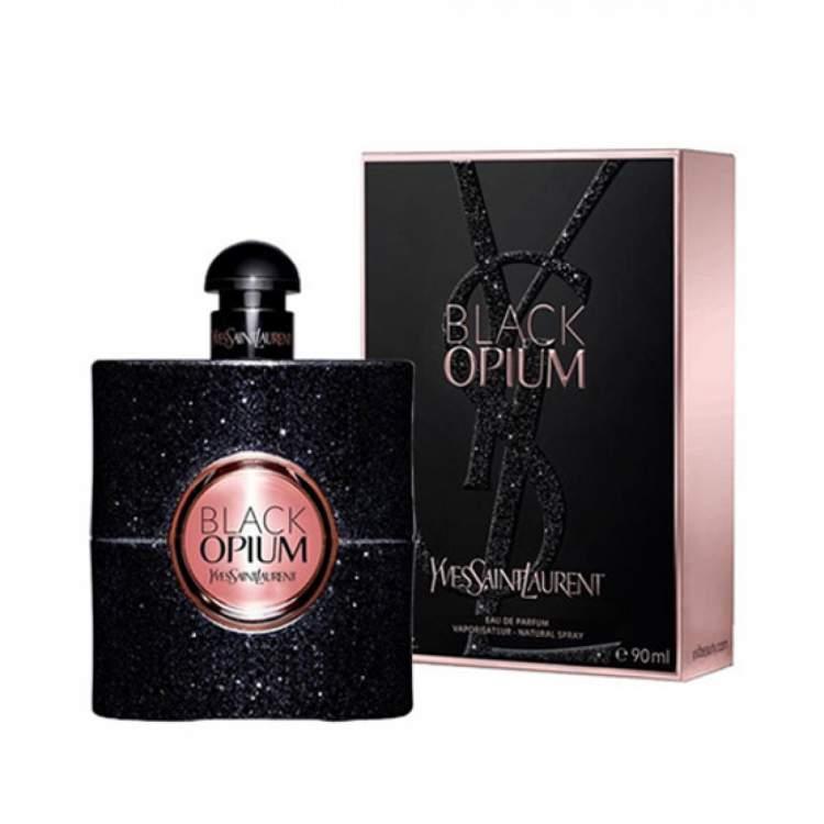 Black Opium de Yves Saint Laurent é um dos perfumes gringos que você precisa experimentar