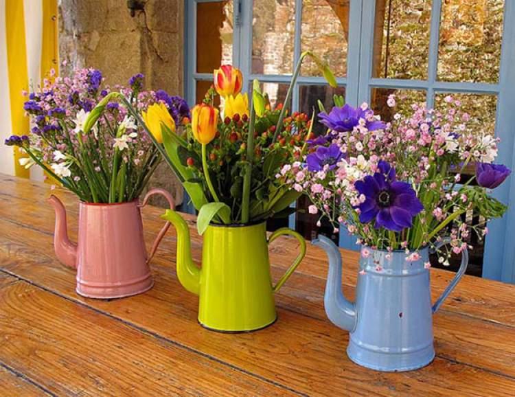 Flores deixam a decoração barata e bonita