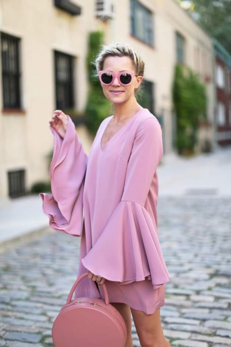 Modelagem diferenciada na cor rosa millennial